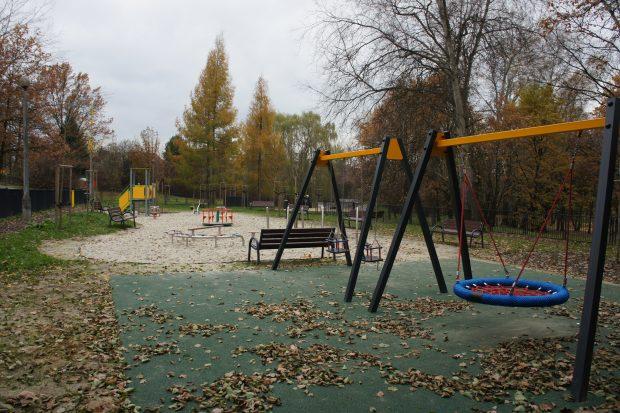 Bowy plac zabaw w Parku Lilli Wenedy